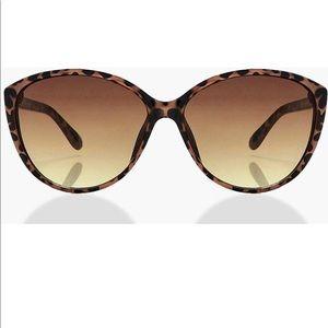 Brown tortoise cat eye sunnies